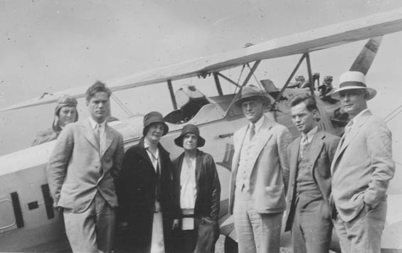 McMullen (Rear) With Others, Ca. 1928-30 (Source: Barnes)