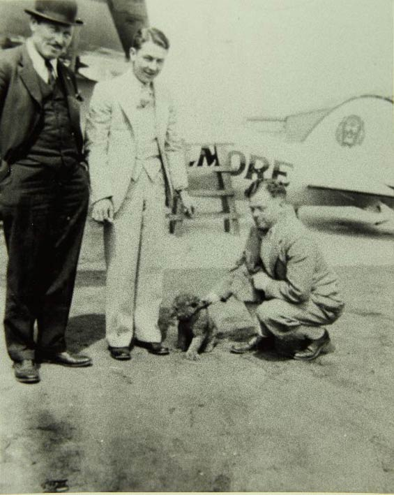 Charles Rector, Center, With Roscoe Turner (L), Gilmore and Unidentified (Source: SDAM)